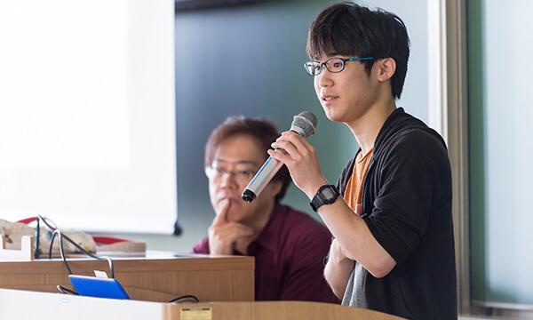 ★学生によるゼミ発表会