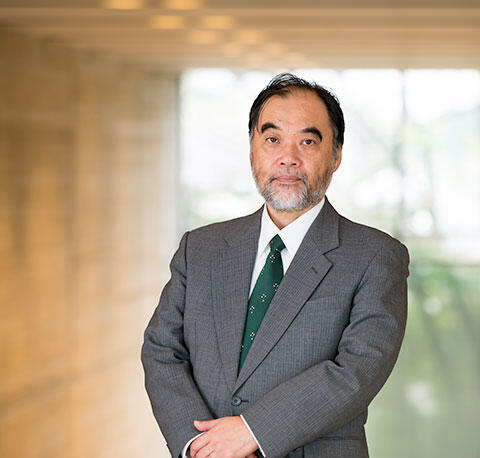 コミュニケーション学部長山田 晴通教授